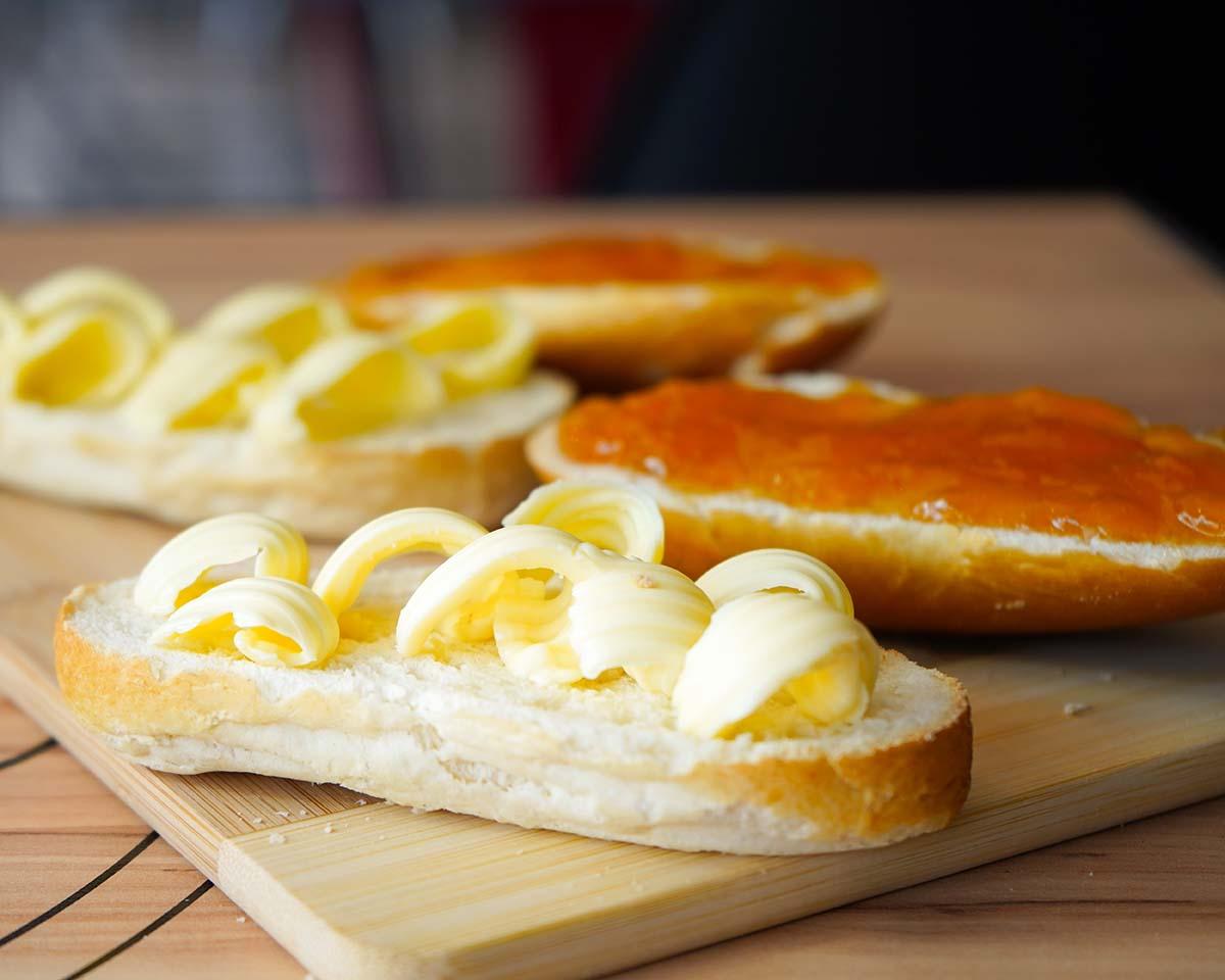 Pane e marmellata per colazione
