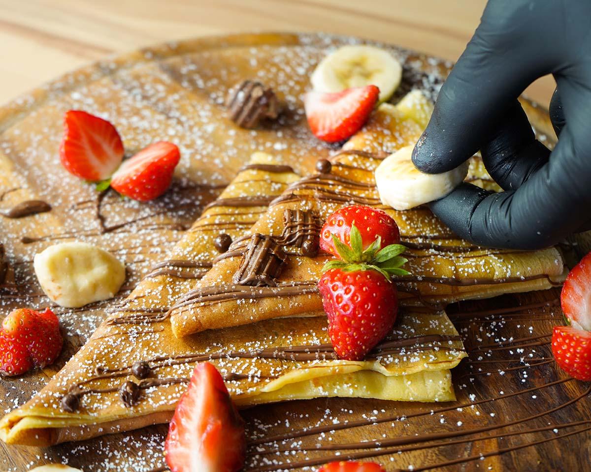 Crepes cioccolato, fragole e banane